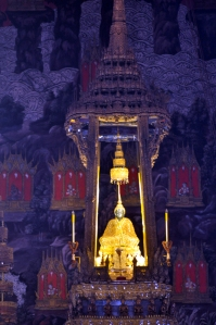 Emerald Buddha Photo D Ramey Logan [1]