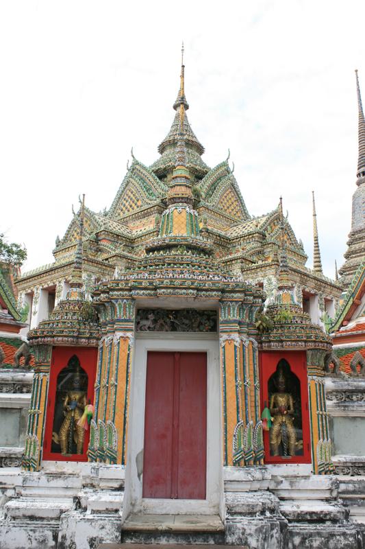 Wat Pho Buildings04